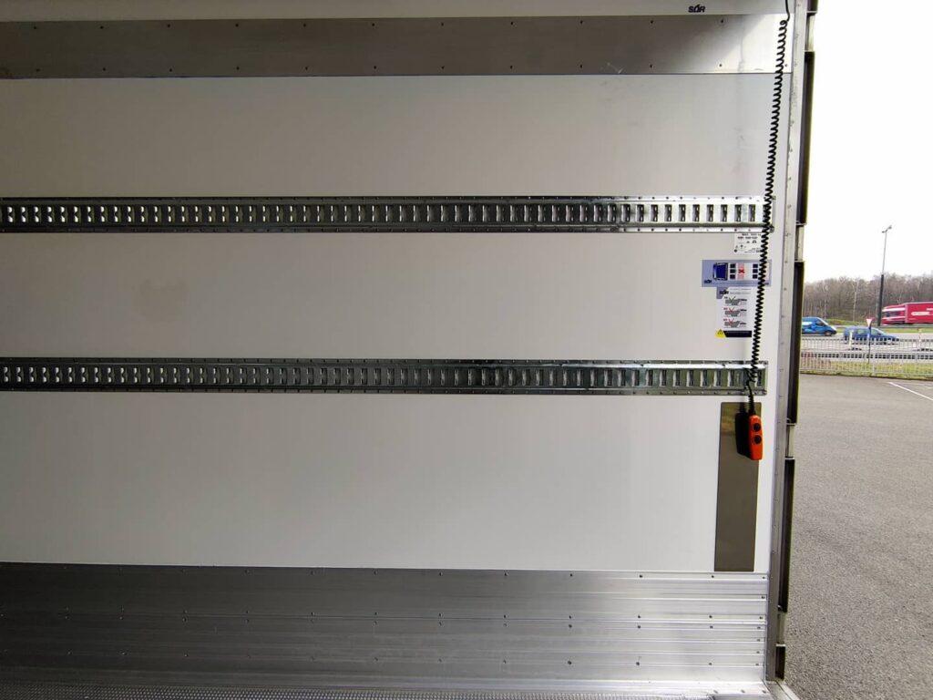 Koeltrailer SOR - dubbele bindrail